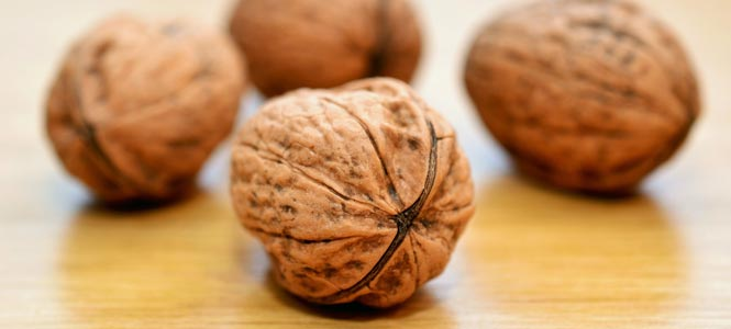 Nerozlousknuté vlašské ořechy