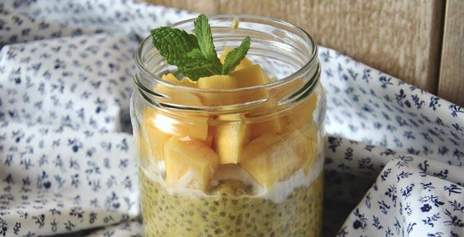 Mangový chia jogurt