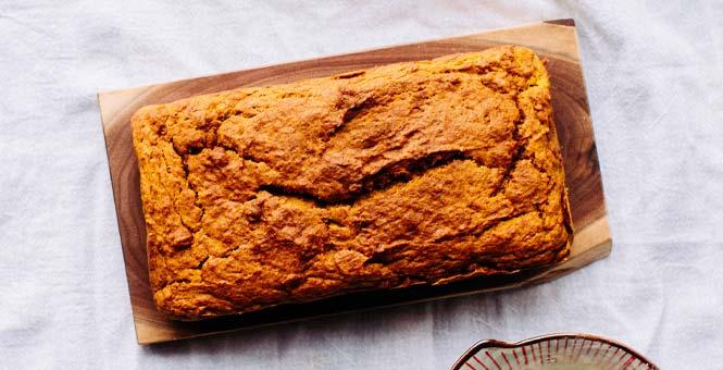 Sýrový chia chléb
