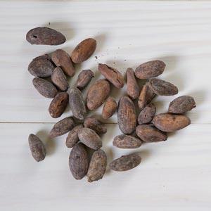 Kakaové boby na stole